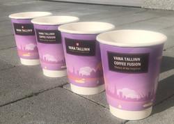 Vana Tallinn Coffee Fusion reklaamiga kohvitopsid