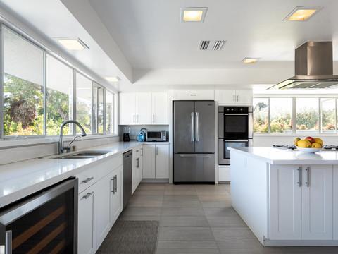 Kitchen2Lights.jpg