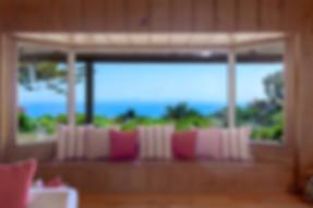 7_WindowSeat.jpg