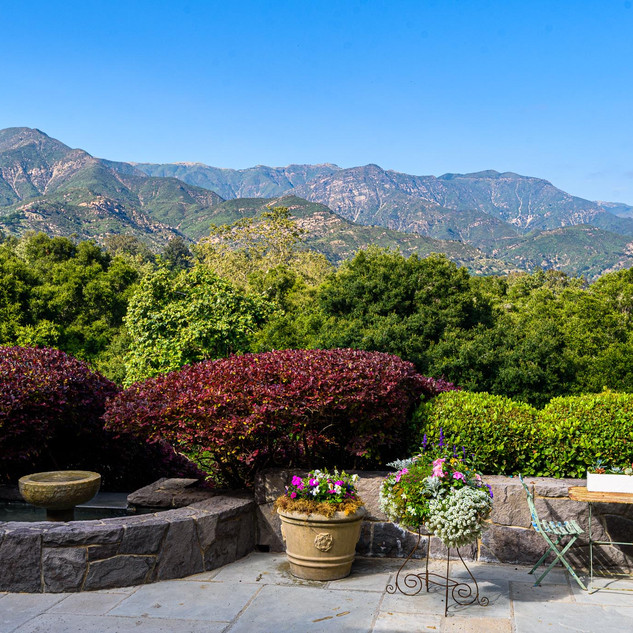 Expansive and Dramatic Mountain Views