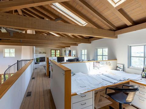 26-upstairs loft.jpg
