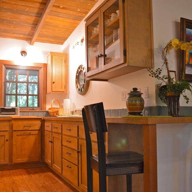 27_Guest_House_Kitchen.jpg