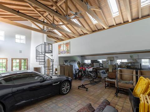 25-garage.jpg