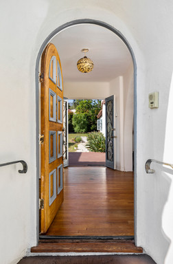 Embrace the Coastal Life at Casa Colibri