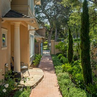 1313 - entry private walkway.jpg