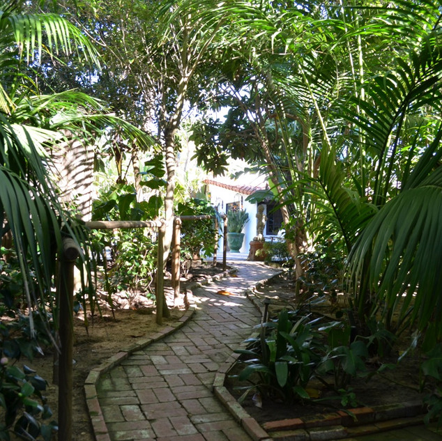 25_Guest_House_Pathway.jpg