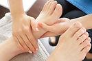 介護施設を利用する高齢者にマッサージ効果を与える