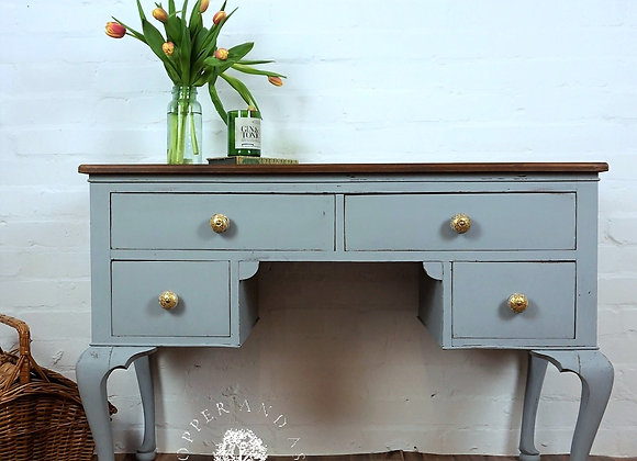 Vintage sideboard/desk/dressing table