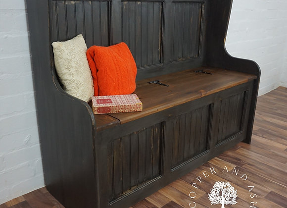 Solid pine 4ft monks bench/settle with storage