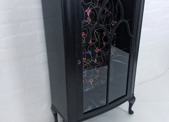 Drinks cabinet display cabinet