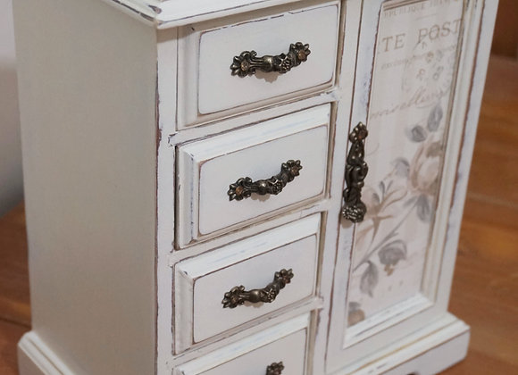 Classically elegant jewellery box SOLD