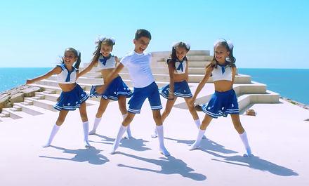 Kids dancing 1.jpg