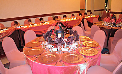 Using a fall pallette to create a warm wedding reception! Plains Hotel in Cheyenne Wyomingwas a great venue for Wyoming wedding rentals.
