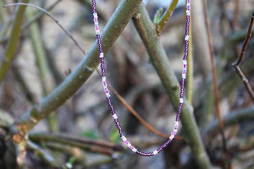 Perlehalskæde i glasperler