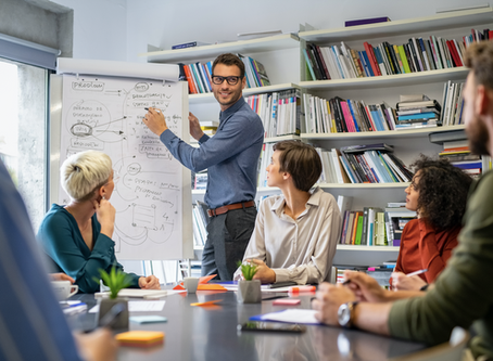 Design Thinking Facilitator: A Quick Guide to an Innovative World
