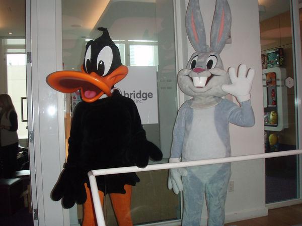 daffy_and_bugs2.jpg