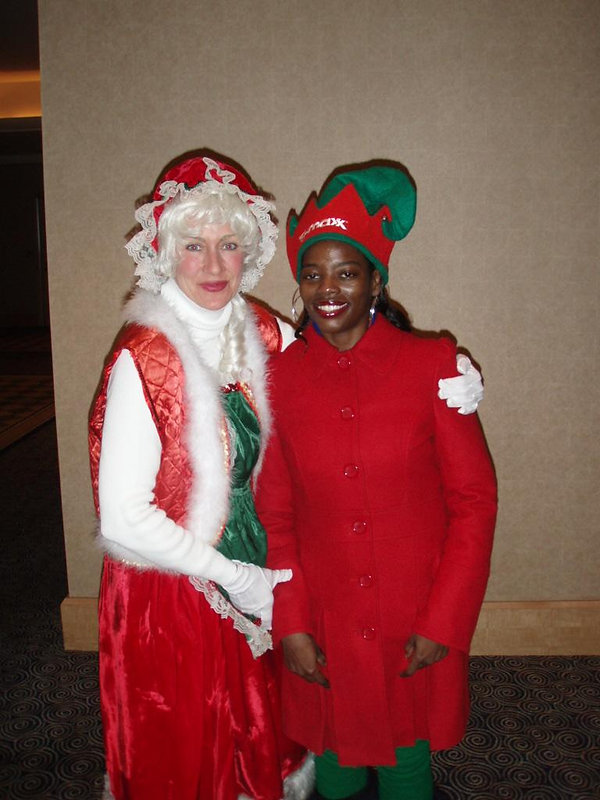 posing_with_mrs._claus.jpg