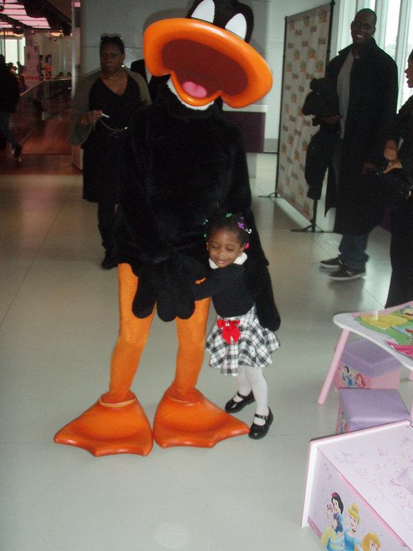 daffy_gets_hugs.jpg