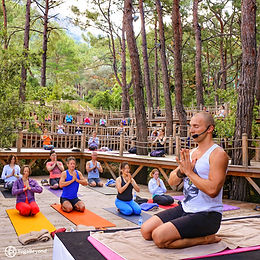 yoga retreat meditation nepal everest base camp yogabeyond adventure relax