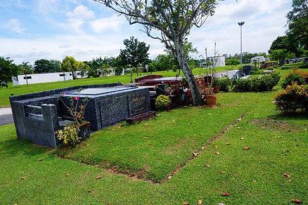 Manila Memorial Double Niche garden.jpg