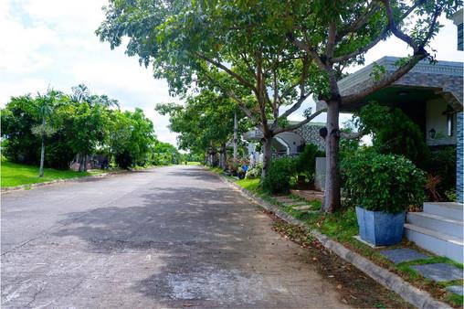 View in Manila Memorial Park 12 Lots Garden