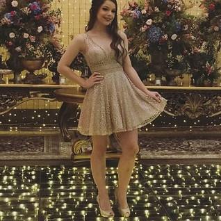 A Debutante Ana Júlia escolheu o Peep to