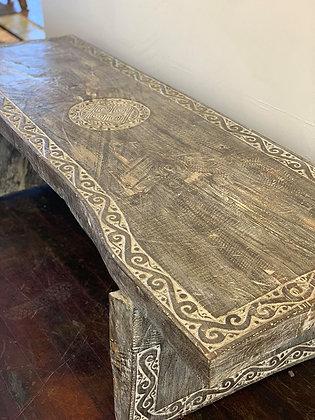 Borneo Island Table