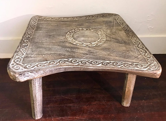 Borneo Island Table