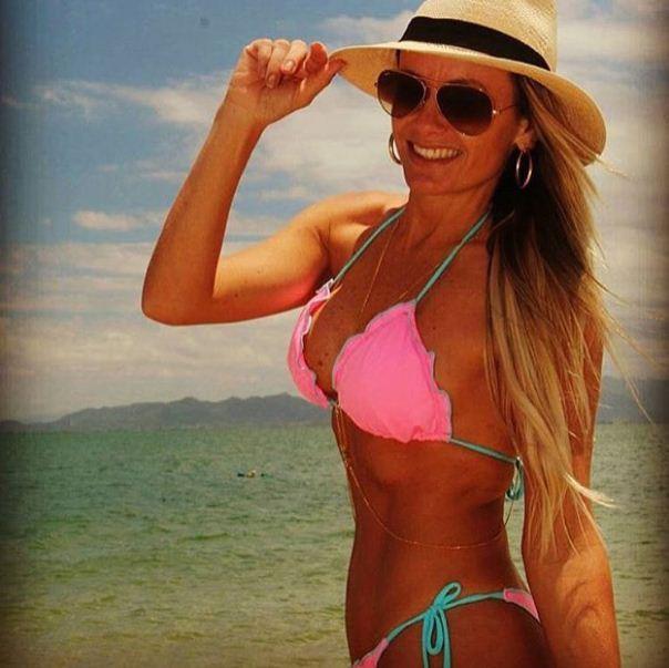 Cintia Cortez_ biquini babado 3