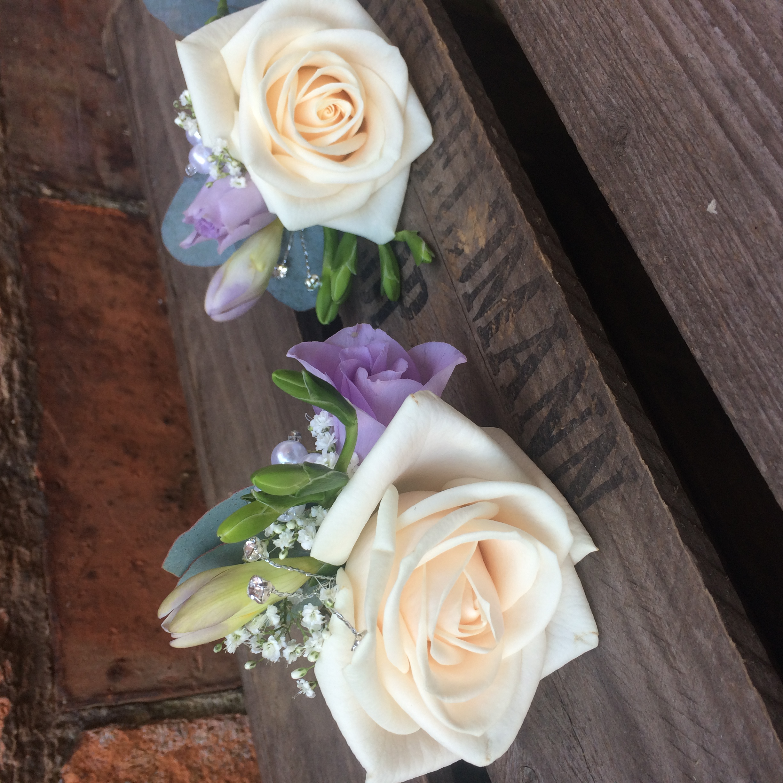 buttonholes vendella roses