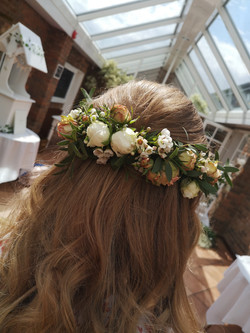 bridal hair flowers with love and roses