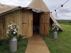 reception decoration yurt milk churns ru