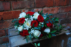 Bridal bouquet Winter wedding Red and wh