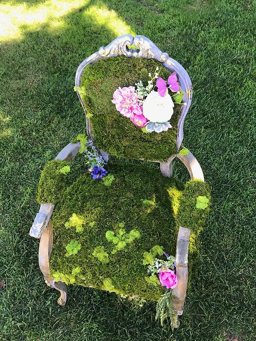 Vintage Moss Chair Rental