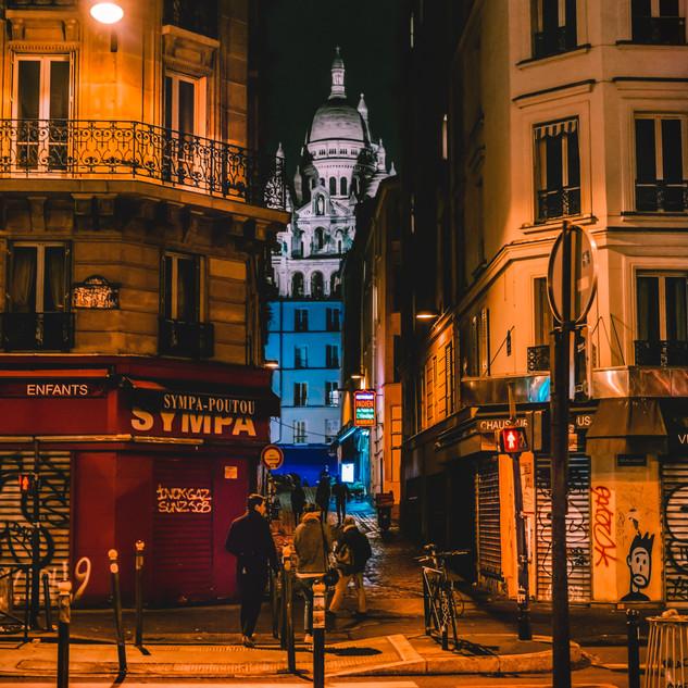 La Basilique du Sacré Cœur de Montmartre (Between Two Worlds)
