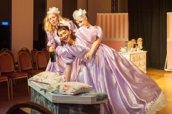 Georgeanne, Five Women Wearing the Same Dress