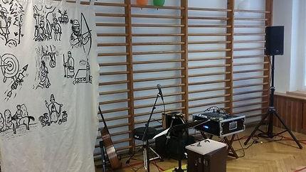 Christof Härtl Bänkelsang Turnhalle Kinderkonzert