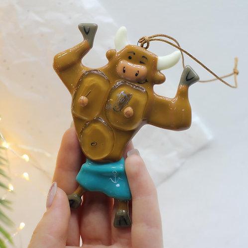 Новогодняя игрушка 'Бычок-морячок'