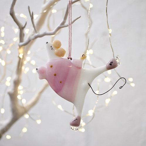 Новогодняя игрушка 'Мышка на коньках'