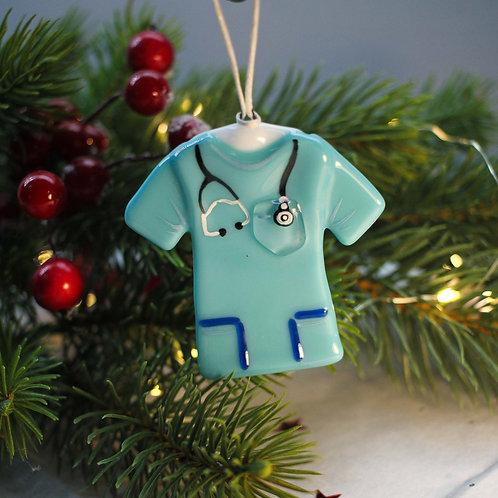 Новогодняя игрушка 'Костюм доктора'