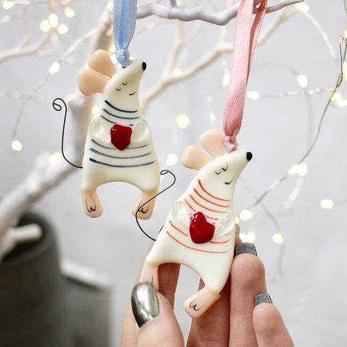 Новогодняя игрушка 'Мышонок с сердцем' (в тельняшке)