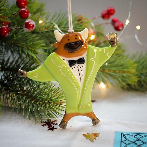 Новогодняя игрушка 'Бык в салатовом костюме'