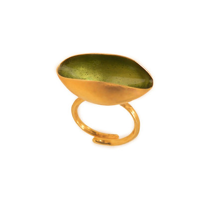 CRYSTAL GREEN PISTACHIO RING