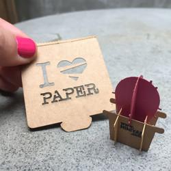 מוצרי נייר מותאימים אישית