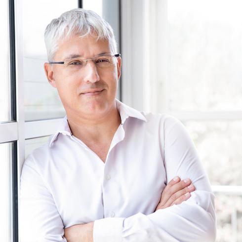 ד״ר ניר לובצקי- מנהל מחלקה