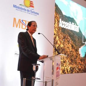 Gustavo Montalvo, presenta plan para el desarrollo turístico de Pedernales