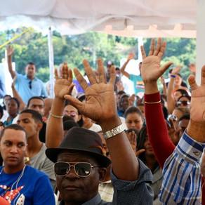 Presidente Danilo Medina, dispone 30 embarcaciones y camión refrigerado a pescadores de La Romana