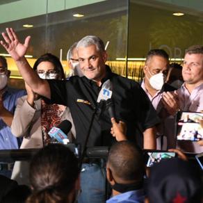 Gonzalo Castillo felicita a Luis Abinader y desea que Dios lo guié