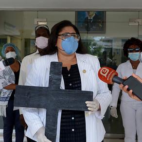 Enfermeras emplazan a ministro de salud pública por falta de equipo de protección