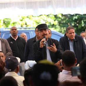 Parceleros de Cambita Garabitos recibirán apoyo para fomentar cacao, café y aguacate.